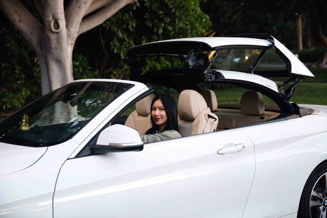 Nữ hoàng nóng bỏng Y Phụng xuất hiện bên siêu xe đắt tiền - Ảnh 10.