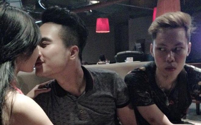 9x Hà Thành nổi tiếng trên mạng xã hội và lên báo nước ngoài nhờ khoảnh khắc này