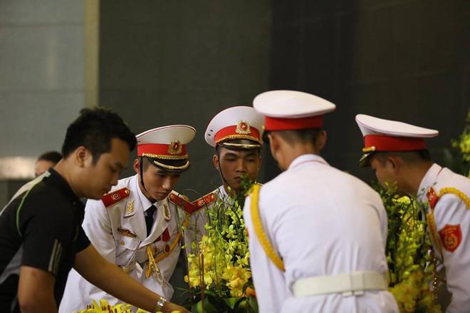 Tang lễ cụ Hoàng Thị Minh Hồ: Trưởng nam công khai di nguyện của cụ bà trước khi mất - Ảnh 16.