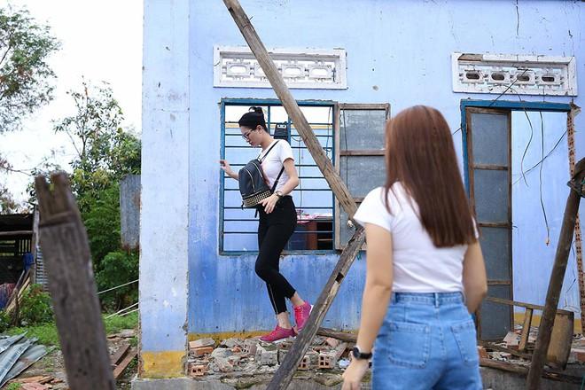 Trang Trần, Ngọc Thanh Tâm bán đồ hiệu, lấy tiền hỗ trợ dân nghèo sau bão Damrey - Ảnh 3.