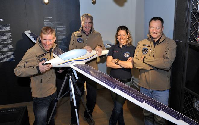 Máy bay năng lượng Mặt trời lần đầu tiên bay cao đến thế, gấp đôi Boeing 787 - Ảnh 2.
