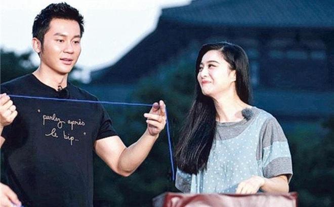 Lý Thần chi gần 7 tỷ đồng chế tác búp bê tặng Phạm Băng Băng: Cặp đôi này giàu cỡ nào?