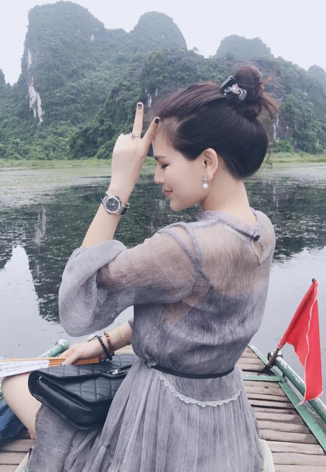 Ảnh đời thường sexy của nữ diễn viên Phi Huyền Trang - Ảnh 4.