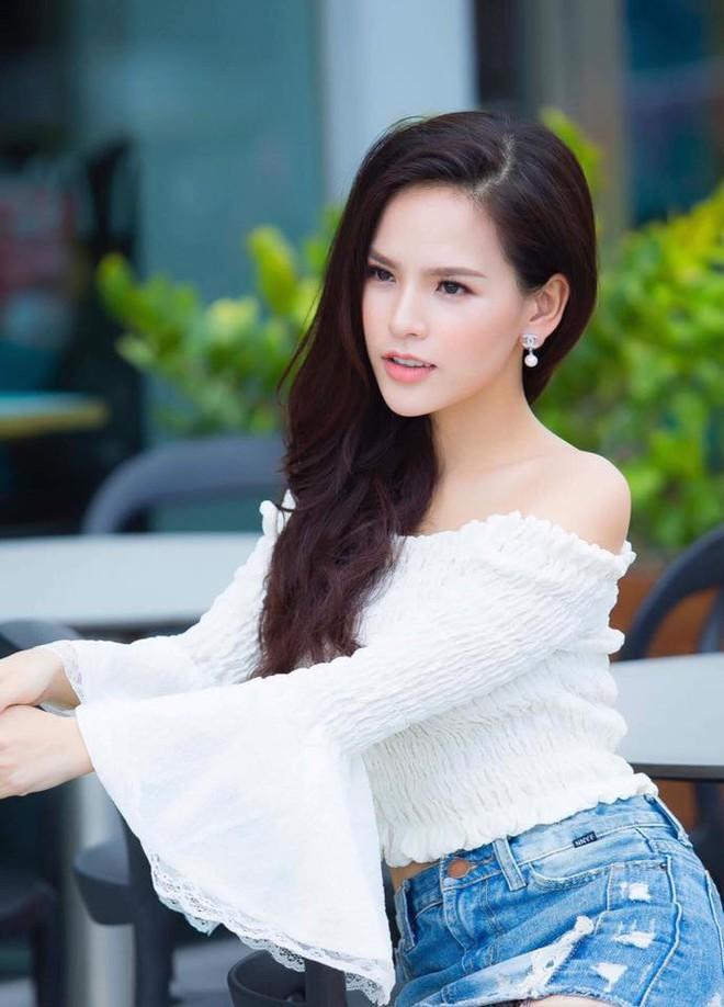 Ảnh đời thường sexy của nữ diễn viên Phi Huyền Trang - Ảnh 2.