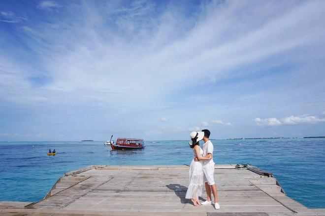 """Hường Chuối – Hotmom 9x cùng bạn trai giấu mặt ngao du """"Thiên đường Maldives"""" hết 85 triệu - Ảnh 3."""