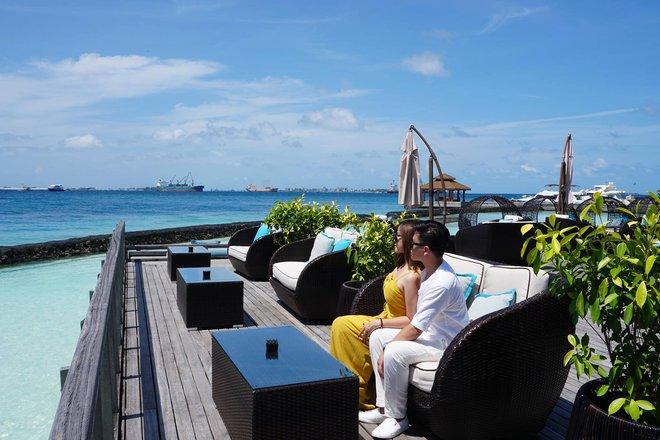 """Hường Chuối – Hotmom 9x cùng bạn trai giấu mặt ngao du """"Thiên đường Maldives"""" hết 85 triệu - Ảnh 13."""