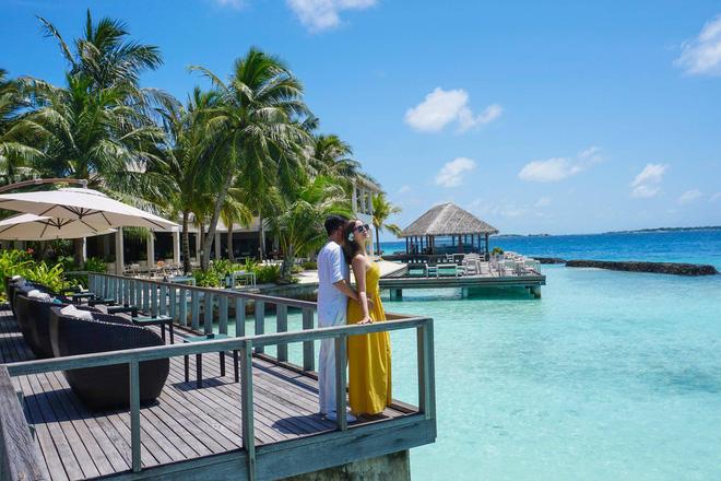 """Hường Chuối – Hotmom 9x cùng bạn trai giấu mặt ngao du """"Thiên đường Maldives"""" hết 85 triệu - Ảnh 14."""