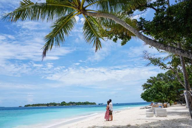 """Hường Chuối – Hotmom 9x cùng bạn trai giấu mặt ngao du """"Thiên đường Maldives"""" hết 85 triệu - Ảnh 17."""