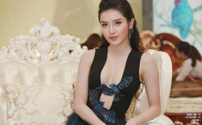 Á hậu Huyền My mặc táo bạo, tái xuất sau lùm xùm tại Hoa hậu Hòa bình Thế giới