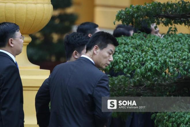 Nhận diện gương mặt đặc biệt trong đội cận vệ tinh nhuệ theo ông Tập sang thăm Việt Nam - Ảnh 3.