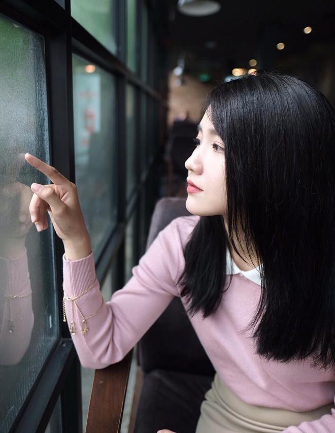 Một năm sau khi ảnh được lên Reuters, cô gái Sài Thành giờ đã trở thành diễn viên được săn đón - Ảnh 11.