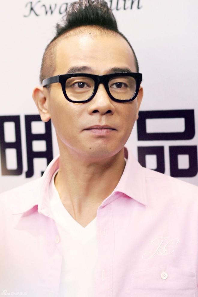 """Trần Tiểu Xuân: """"Xấu trai"""" nhất nhì showbiz nhưng vẫn cưới được mỹ nhân - Ảnh 3."""