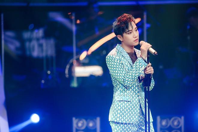 Hồ Quỳnh Hương làm giám khảo, bất ngờ gặp lại hàng xóm ở quê đi thi hát - Ảnh 3.