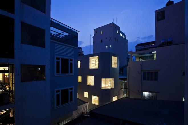 Bí mật trong ngôi nhà như lô cốt giữa Sài Gòn - Ảnh 3.