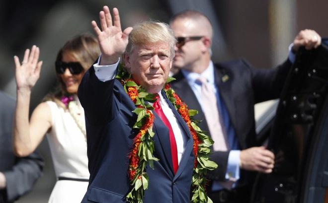 """Chuyên gia TQ bật mí về phái đoàn """"tinh hoa"""" tháp tùng Tổng thống Trump thăm Bắc Kinh"""