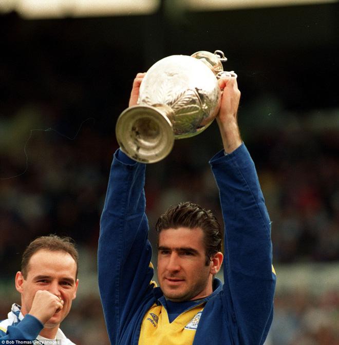 Hẹn với định mệnh: Eric Cantona - thanh gươm báu định quốc của triều đại Alex Ferguson - Ảnh 4.