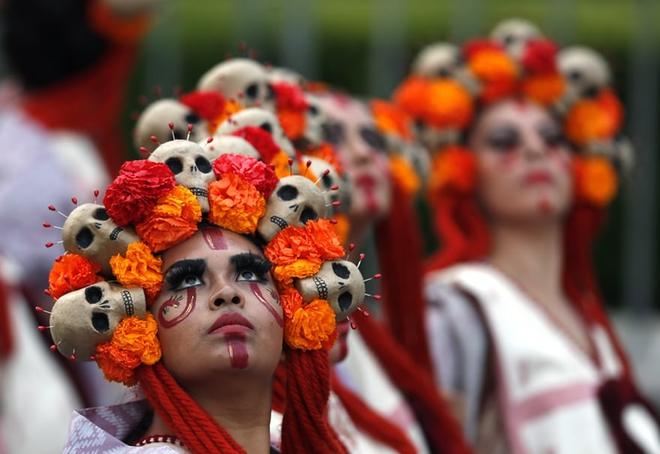 Ngày của Người chết - Lễ hội trên vùng đất vừa cướp đi sinh mạng của trăm người - Ảnh 5.