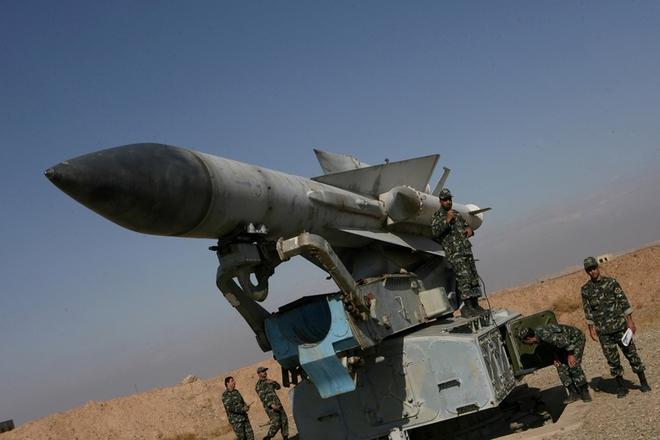 Vì sao tên lửa S-200 của Syria không thể làm xước sơn tiêm kích Israel? - Ảnh 1.
