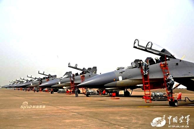 [ẢNH] Song kiếm Su-30MKK và J-10 của Trung Quốc huấn luyện tác chiến - Ảnh 3.