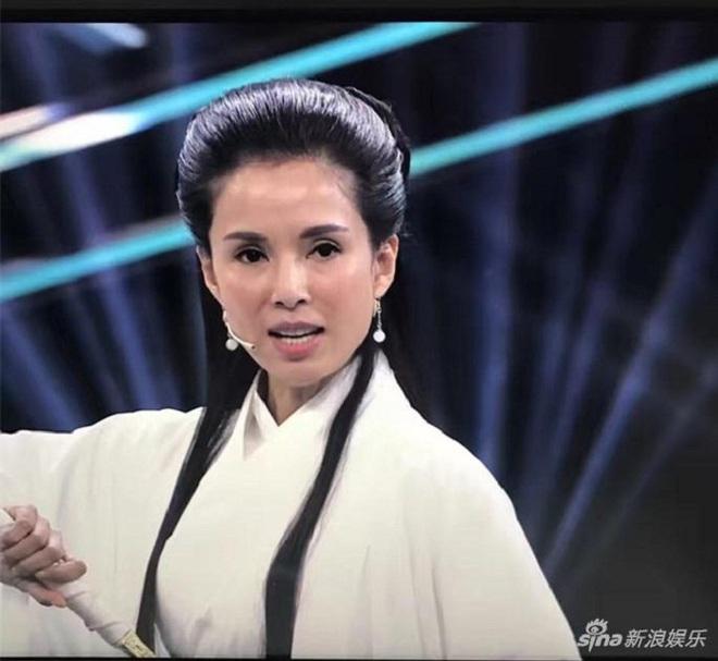 Bất ngờ với nhan sắc của Tiểu Long Nữ Lý Nhược Đồng sau 22 năm - Ảnh 4.