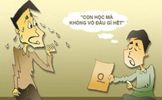 Nhận kết quả bài thi không tốt của con, cách ứng xử của người mẹ khiến ta phải nể!
