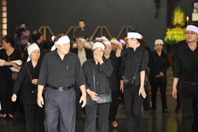 Tang lễ cụ Hoàng Thị Minh Hồ: Trưởng nam công khai di nguyện của cụ bà trước khi mất - Ảnh 20.
