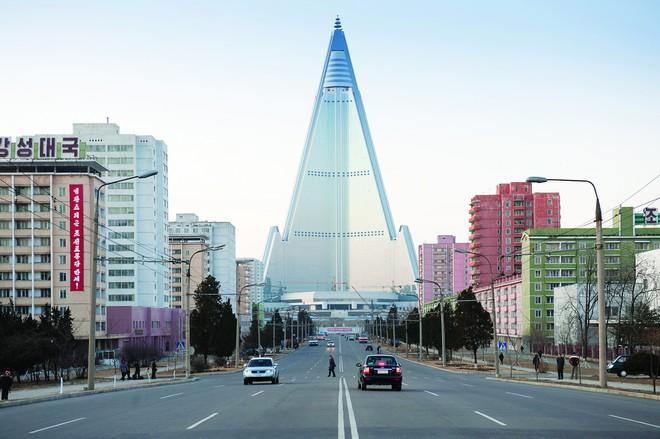 Lệnh trừng phạt của LHQ rất mạnh, nhưng Triều Tiên có tới 3 cách để bẻ gãy - Ảnh 3.