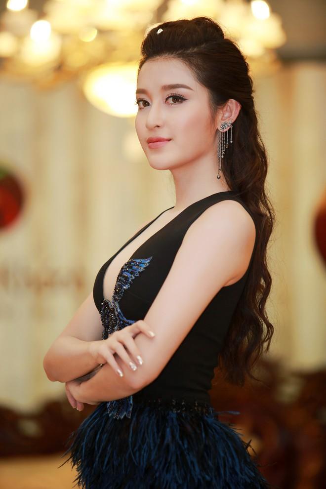 Á hậu Huyền My mặc táo bạo, tái xuất sau lùm xùm tại Hoa hậu Hòa bình Thế giới - Ảnh 7.