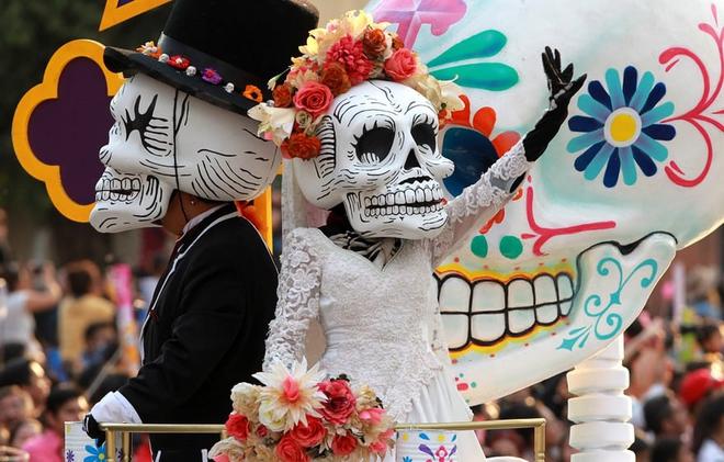 Ngày của Người chết - Lễ hội trên vùng đất vừa cướp đi sinh mạng của trăm người - Ảnh 12.