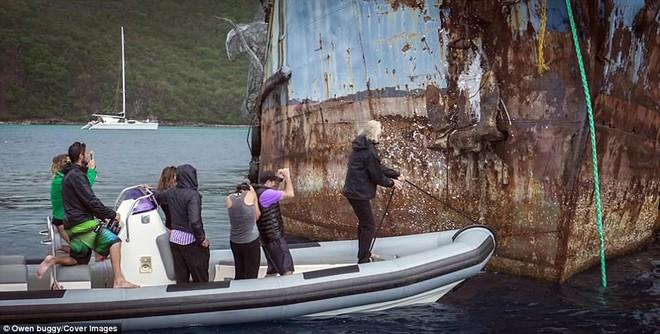 Dựng video con tàu nổi tiếng thời Thế chiến 2 bị thủy quái khổng lồ Kraken đánh đắm - Ảnh 4.