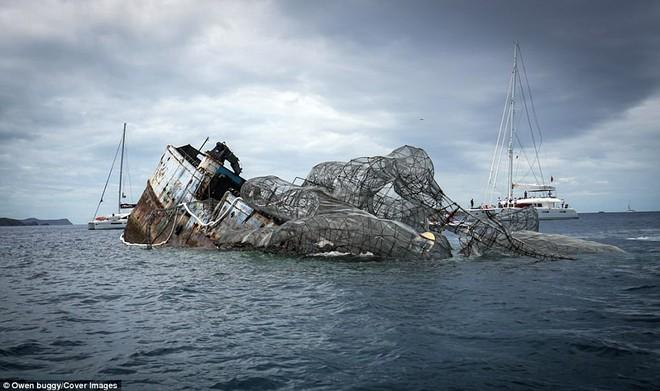Dựng video con tàu nổi tiếng thời Thế chiến 2 bị thủy quái khổng lồ Kraken đánh đắm - Ảnh 3.