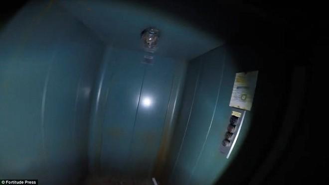 Thâm nhập căn hầm bị bỏ hoang giữa rừng sâu: Nhóm thám hiểm chỉ dám vào 3 phút - Ảnh 7.