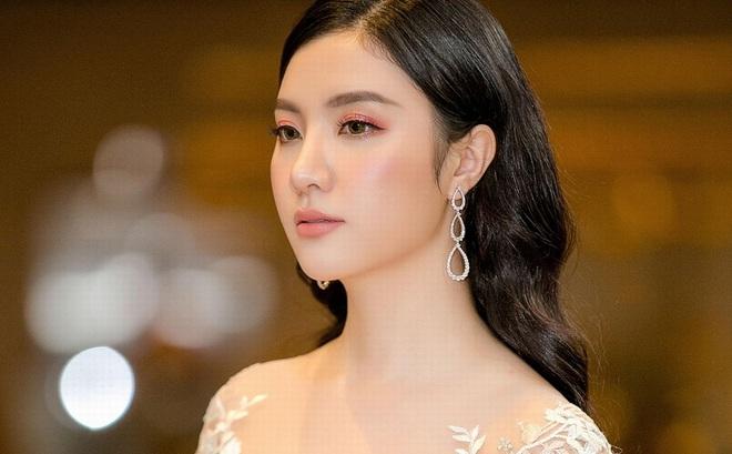"""Gương mặt xinh đẹp """"không góc chết"""" của Hạnh Sino"""