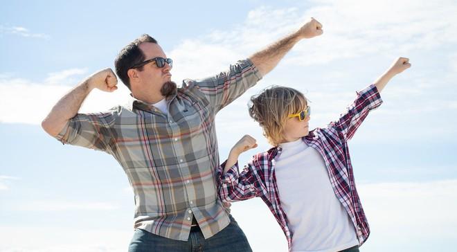 Con trai nài nỉ cha kéo cần câu giúp, ông nói đúng 1 câu giúp cậu lập kỳ tích - Ảnh 2.
