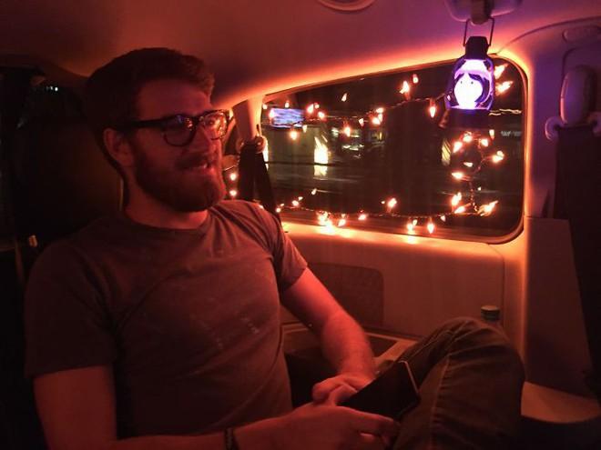 Hành khách trên khắp thế giới thi nhau chia sẻ những chuyến đi taxi nhớ đời - Ảnh 6.