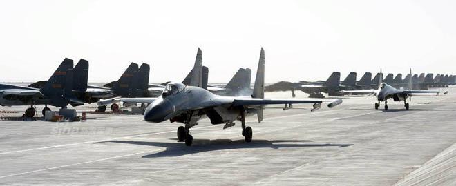 [ẢNH] Song kiếm Su-30MKK và J-10 của Trung Quốc huấn luyện tác chiến - Ảnh 6.