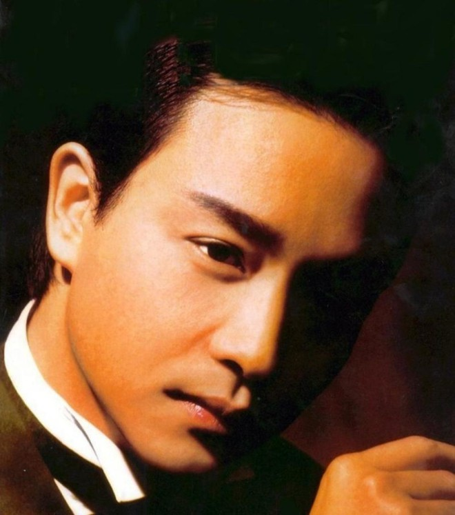 14 năm qua đi, fan hâm mộ vẫn khóc vì thương nhớ Trương Quốc Vinh - Ảnh 6.