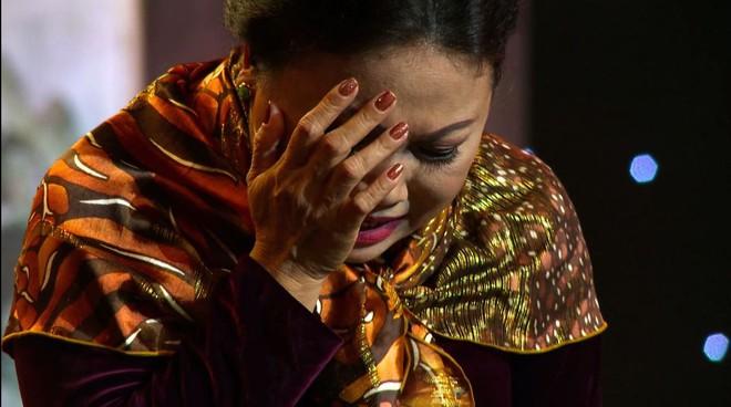 Siu Black khóc nghẹn khiến đồng nghiệp phải trấn an ngay trên sóng truyền hình - Ảnh 7.