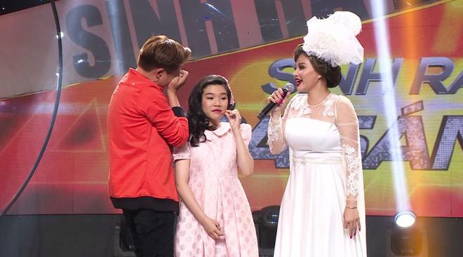 Clip danh hài Lê Giang liên tục nói vấp, nói sai khiến gameshow gián đoạn - Ảnh 1.