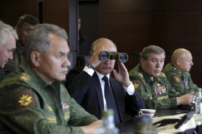 24h qua ảnh: Trực thăng Mi-8 khai hỏa trong cuộc tập trận Nga-Belarus - Ảnh 1.