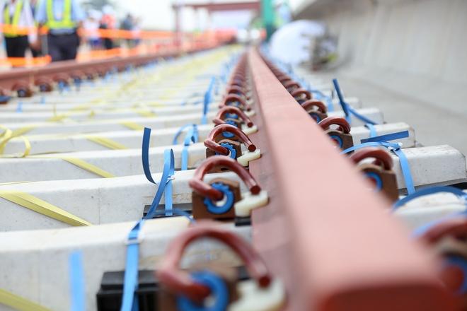 Tuyến Metro trị giá 2,49 tỷ USD Bến Thành - Suối Tiên chính thức lắp đường ray - Ảnh 5.