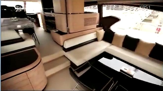 Biệt thự dát vàng và dàn siêu xe hoành tráng của bố chồng Hà Tăng lên sóng truyền hình Hàn Quốc - Ảnh 13.