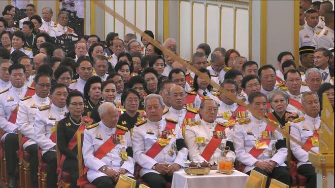 Toàn cảnh lễ hỏa táng cố Quốc vương Thái Lan Bhumibol - Ảnh 9.