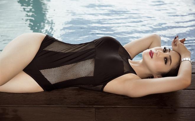 Hương Tràm bốc lửa trong loạt ảnh bikini