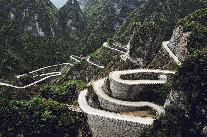 Những cung đường nguy hiểm nhất thế giới chỉ nhìn thôi cũng đủ thấy hoang mang - Ảnh 9.