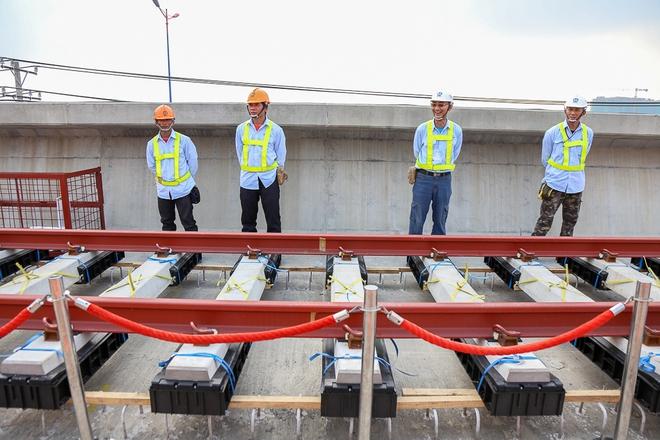 Tuyến Metro trị giá 2,49 tỷ USD Bến Thành - Suối Tiên chính thức lắp đường ray - Ảnh 9.