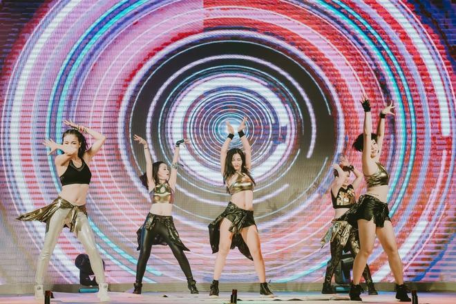 Đội quân dancer nhí hướng dẫn hàng trăm người lớn nhảy flashmod đầy sôi động - Ảnh 9.