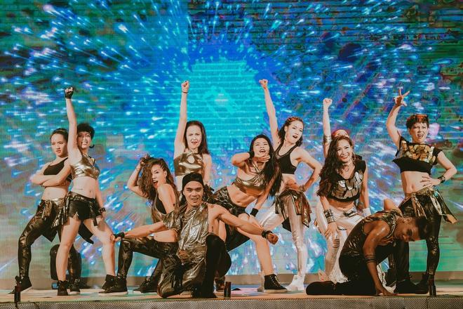 Đội quân dancer nhí hướng dẫn hàng trăm người lớn nhảy flashmod đầy sôi động - Ảnh 12.