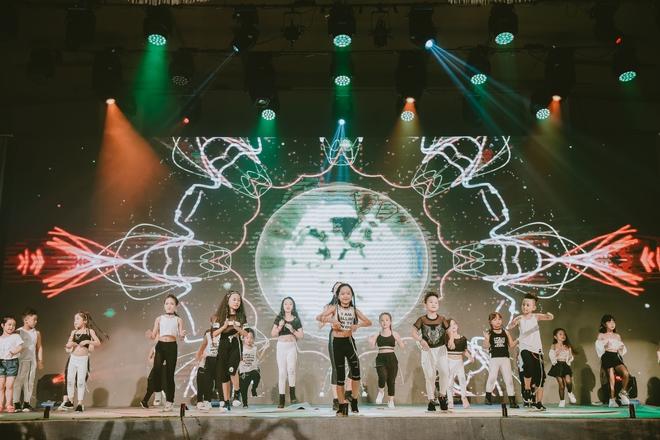 Đội quân dancer nhí hướng dẫn hàng trăm người lớn nhảy flashmod đầy sôi động - Ảnh 17.