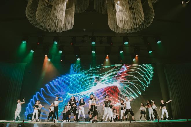 Đội quân dancer nhí hướng dẫn hàng trăm người lớn nhảy flashmod đầy sôi động - Ảnh 18.